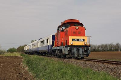 478 032 (98 55 0478 032-3 H-START) between Nagykallo and Kallosemjen on 1st May 2017 working PTG Railtour (11)