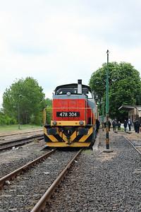 478 304 (98 55 0478 304-6 H-START) at Mezocsat on 29th April 2017 working PTG Railtour (58)