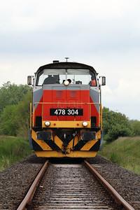 478 304 (98 55 0478 304-6 H-START) outside Mezocsat on 29th April 2017 working PTG Railtour (17)