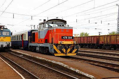 478 304 (98 55 0478 304-6 H-START) at Nyekladhaza on 29th April 2017 working PTG Railtour (16)