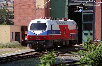 120 009 at Thessaloniki Depot on 19th September 2014 (4)
