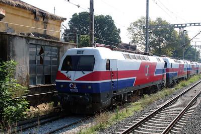 120 012 at Thessaloniki Depot on 19th September 2014 (3)