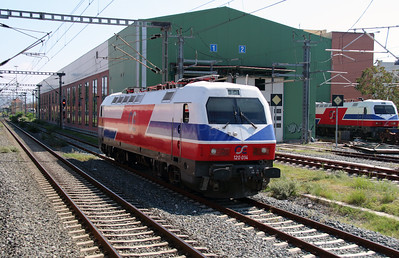 120 014 at Thessaloniki Depot on 19th September 2014 (7)