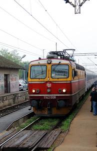 1142 008 (98 78 1142 008-0) at Ivanic Grad on 6th April 2014