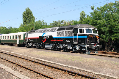 Floyd, 659 002 (92 55 0659 002-3 H-FLOYD ex UK 56 115) at Vacratot on 3rd July 2015 working PTG Railtour (14)