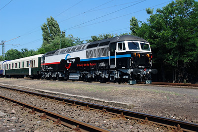 Floyd, 659 002 (92 55 0659 002-3 H-FLOYD ex UK 56 115) at Vacratot on 3rd July 2015 working PTG Railtour (12)