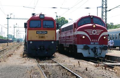 628 224 & M61 001 at Kazincbarcika on 6th July 2015 (7)