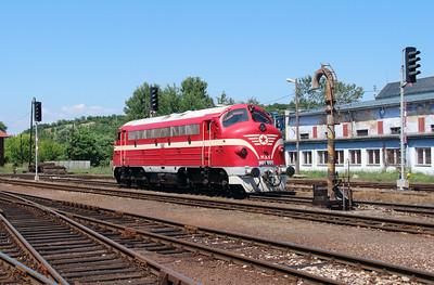 M61 001 at Filakovo (Slovakia) on 4th July 2015 working PTG Railtour (10)