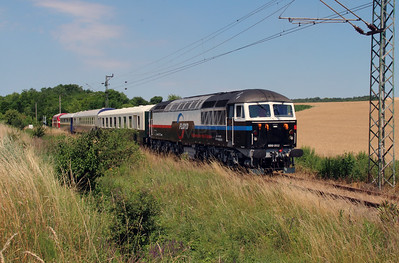 Floyd, 659 002 (92 55 0659 002-3 H-FLOYD ex UK 56 115) between Vacratot and Galgamacsa on 3rd July 2015 working PTG Railtour (3)