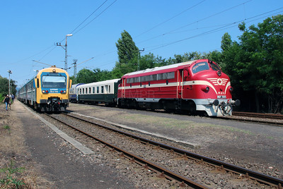Bmxt 002 & M61 001 at Vacratot on 3rd July 2015 (2)