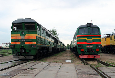 2TE116 1060 & 2M62 1146 at Daugavpils Depot on 20th May 2013 (2)