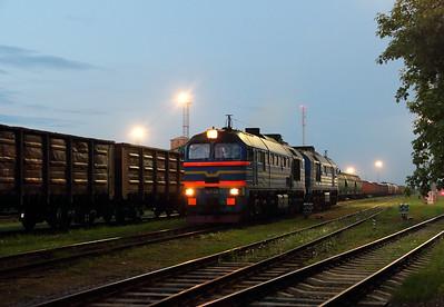 3) RZD, 2M62 0145 at Kybartai on 24th May 2013