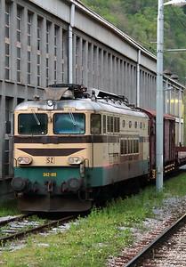 342 011 at Zidani Most on 21st April 2015 (4)