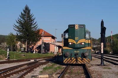 644 014 (94 79 2644 014-4) at Rogatec on 20th April 2015 working railtour (3)