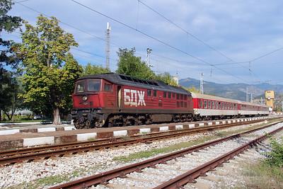 07 124 at Kresna on 4th October 2015 working PTG Railtour (1)