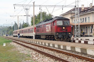 07 124 at Blagoevgrad on 4th October 2015 working PTG Railtour (5)