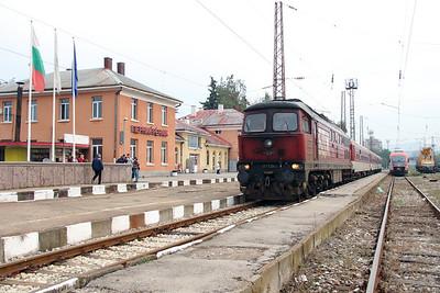 07 124 at Pernik on 4th October 2015 working PTG Railtour (5)