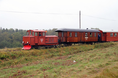 1) 261 at between Tuna and Totebo on 22nd September 2013 working railtour