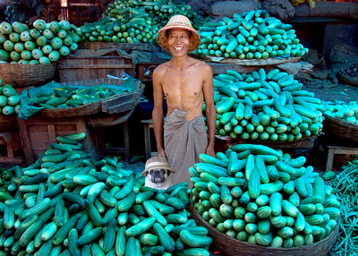 CUCUMBER MERCHANTS - MANDALAY, BURMA