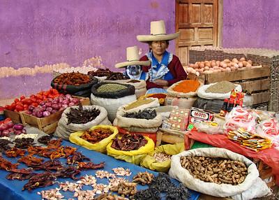 QUECHUA LADIES - CAJAMARCA, PERU