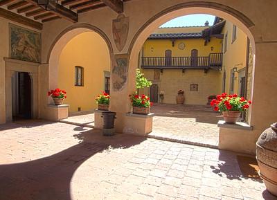 PV101 - TUSCANY, ITALY - Historical Villa in Hamlet