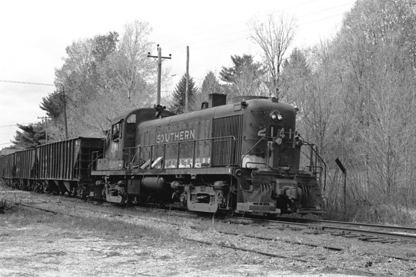 P&W 2141 ex. Southern in Holden 1976 – Al Arnold photo