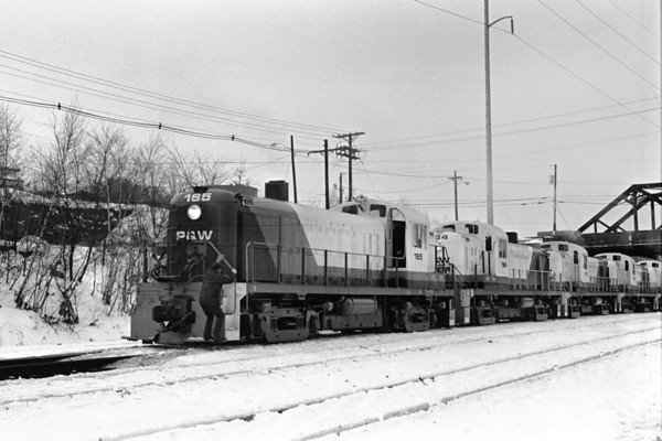 5 Alco RS-3s, the P&W's first power delivered from the D&H in January 1973 - Al Arnold photo
