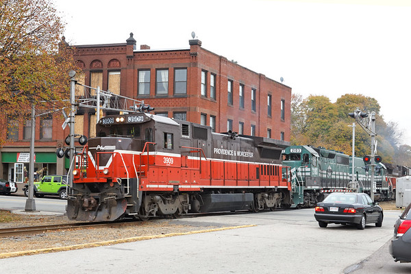 Northbound train through the center of Webster, MA 2013 – Bob Arnold photo