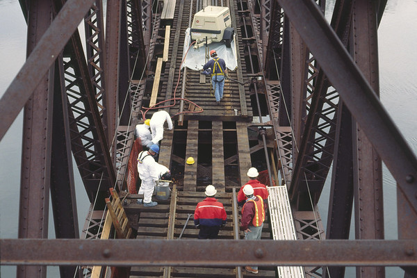 Re-decking the Middletown Swing Bridge 1998 – Bob Arnold photo