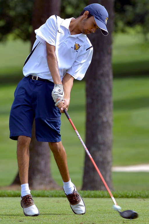 . Wissahickon\'s Pranay Kumar tees off during a scrimmage with Germantown Academy at Bluestone Country Club Aug. 23, 2017. / Bob Raines--Digital First Media