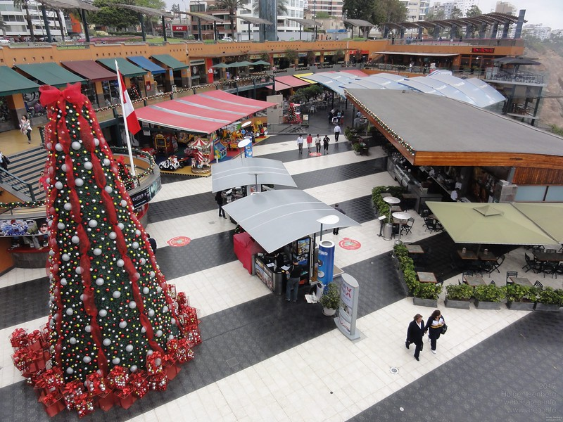 The American style shopping center Larcomar in Lima, with original American prices and on schedule christmas shopping start on Thanks Giving.