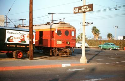 Metropolitan Coach Lines 498 at San Pedro, December 2, 1956.  Photographer Ray Ballash