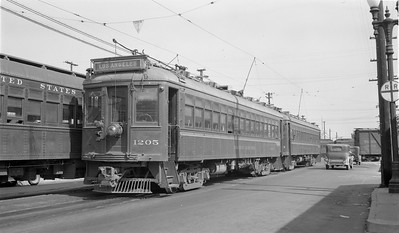 A Busy SP Santa Ana Depot - October 1944