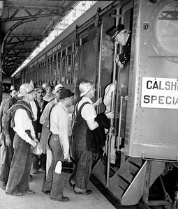 Calship Victory Special at 6th and Main Station