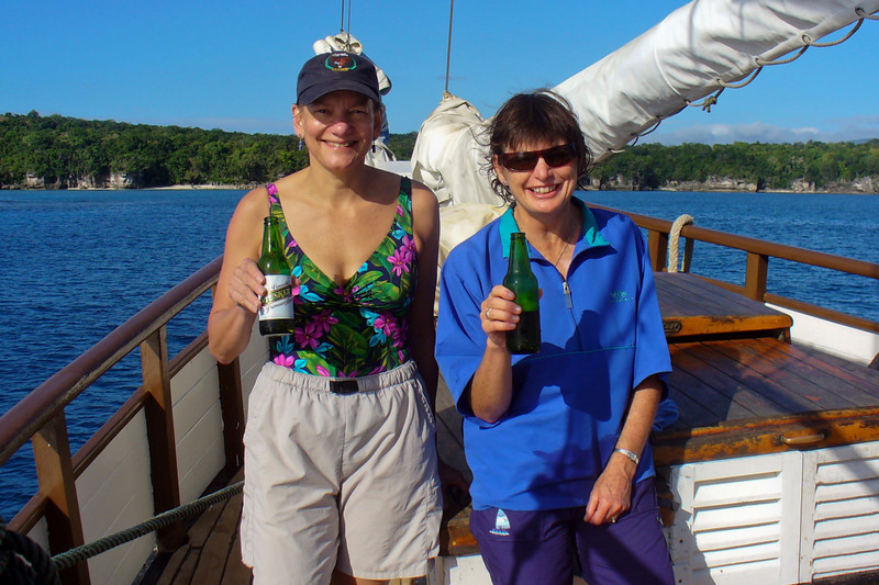 Robyn and an American we met on the Coongoola. Her name was Hillary and her husband was called Bill !