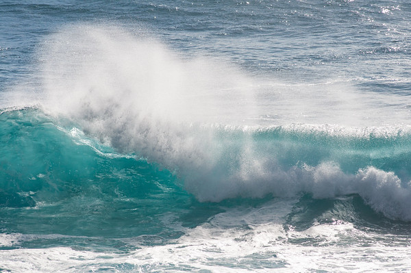 Waves breaking off of Ka'ena Point State Park