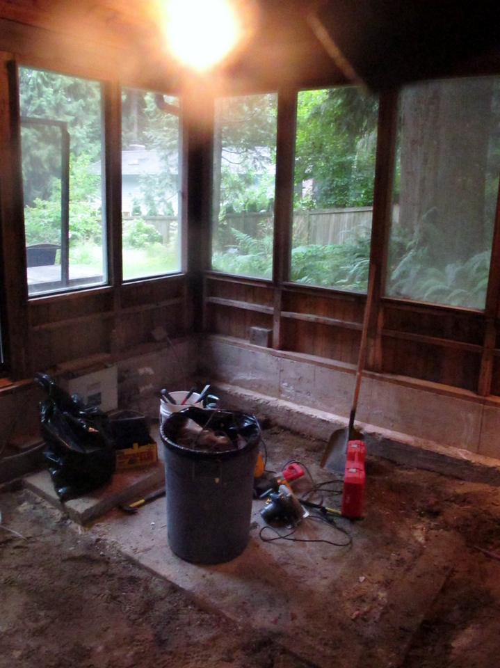"""Not tub"" room - what was under the hot tub."