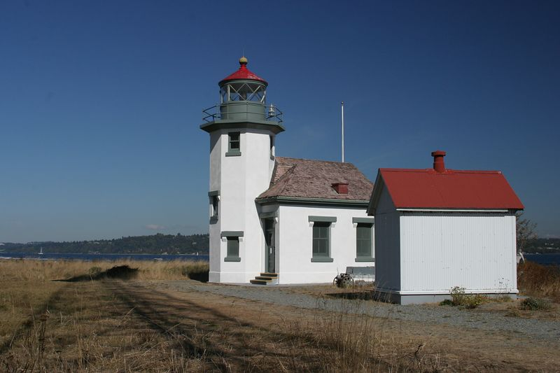 Point Robinson light on Maury/Vashon Island Washington