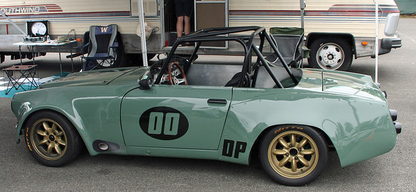 Cool Datsun roadster with full SCCA treatment.