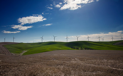 Palouse spring wind turbines panorama 3-23-17