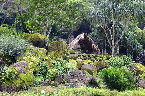 Traditional houses, Waimea Valley