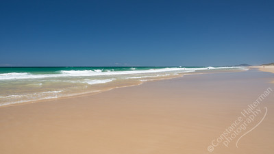 Sunshine Beach - waves