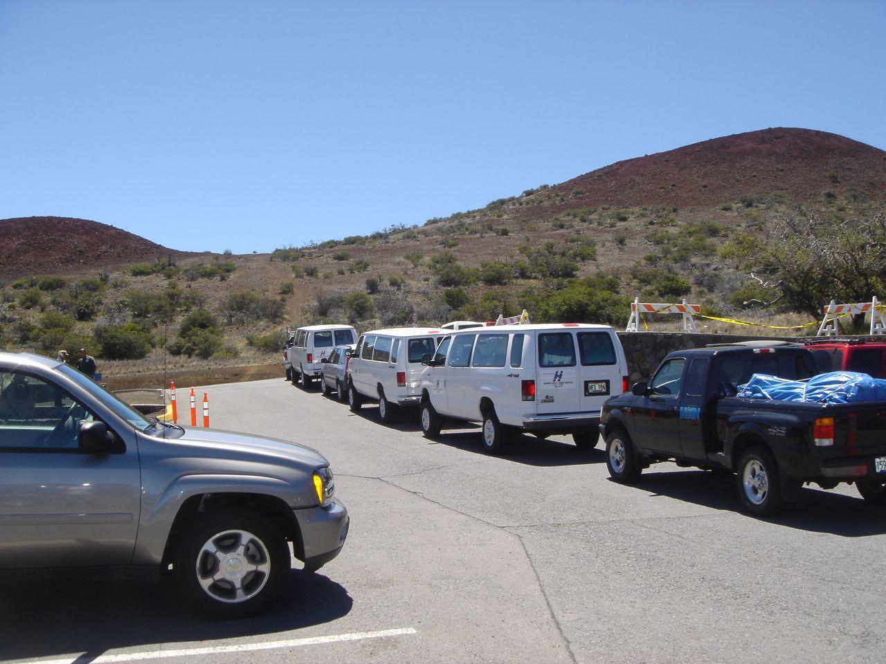 4x4 caravan going up Mona Kea