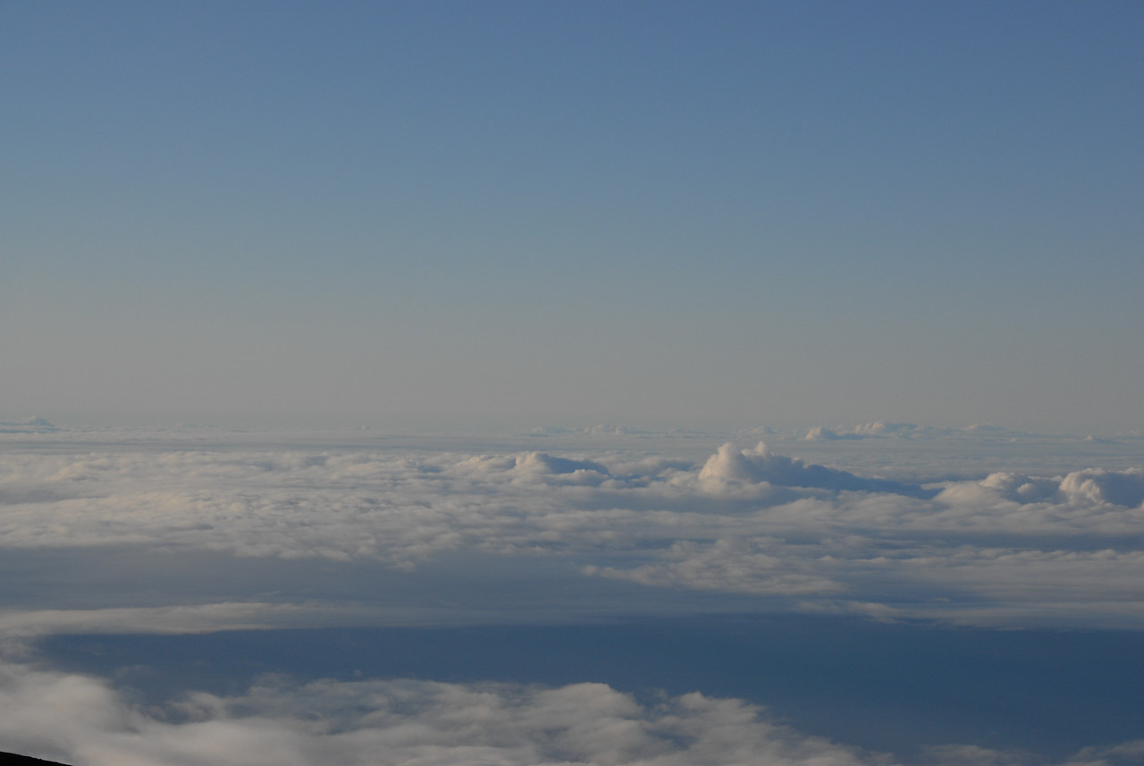 View of Mauna Loa from the summit of Mauna Kea, Hawaii