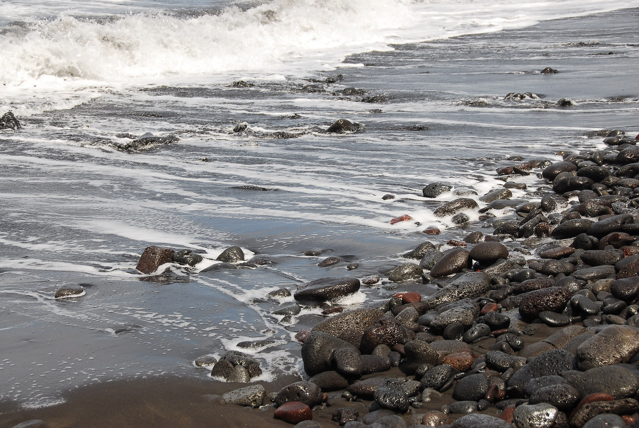 Rocky beachline in Pololu Valley, Hawaii