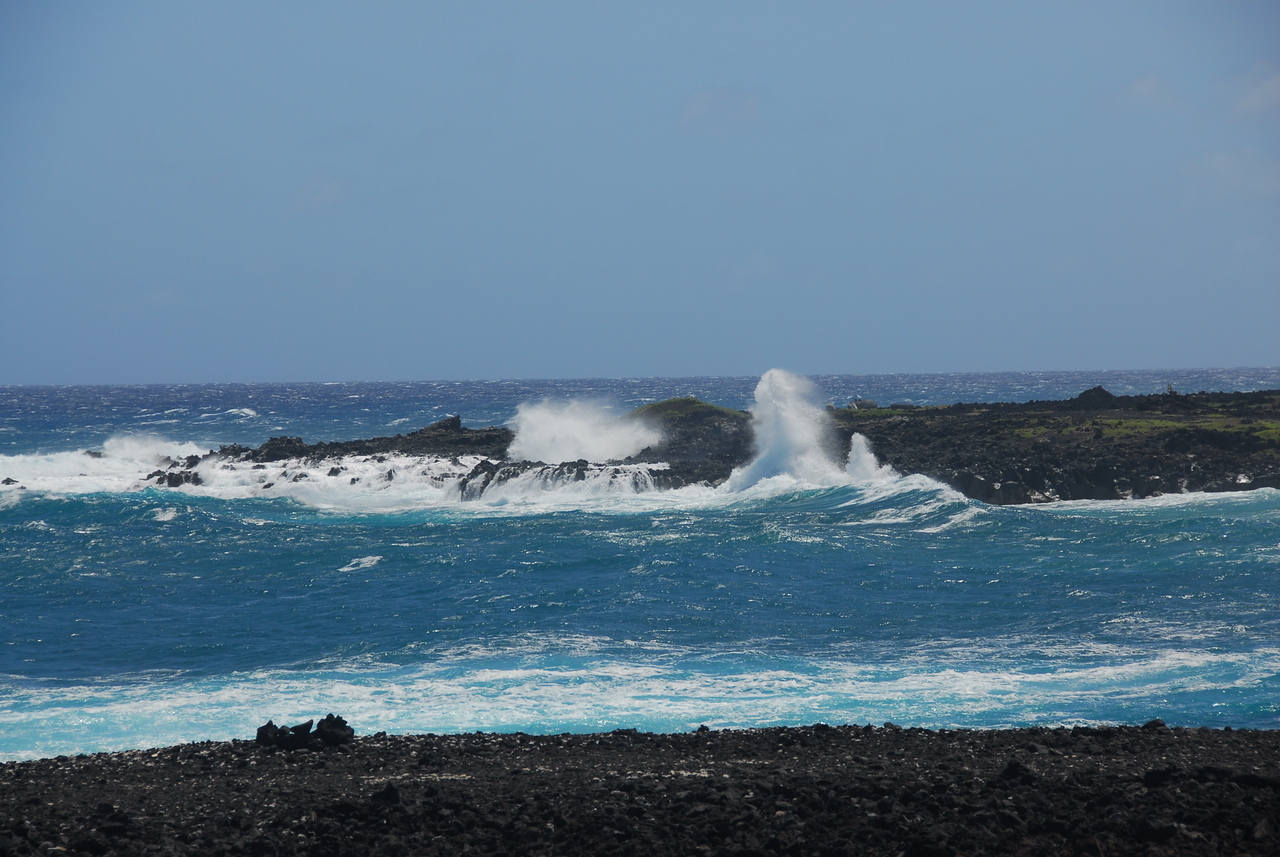 Strong ocean current in South Point, Hawaii