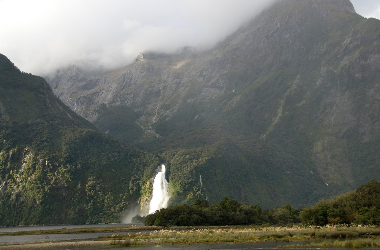 More milford sound