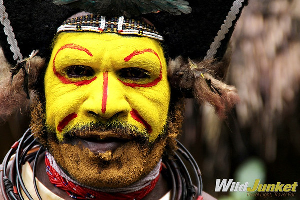 A Huli wigman with face painting