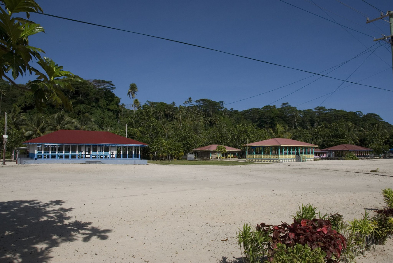 Multiple Fales in Manase Village Savai'i, Samoa