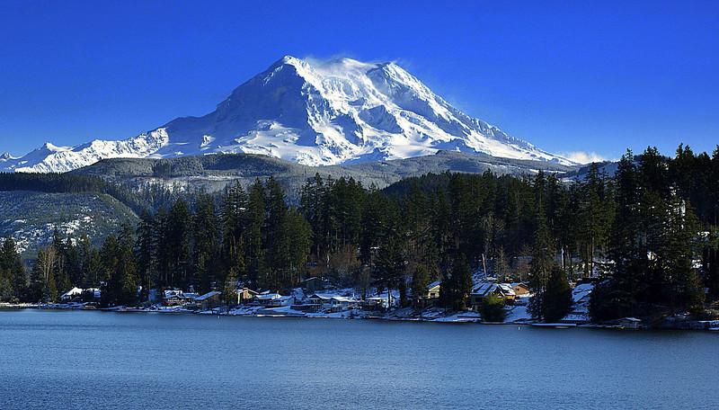 Photo By Bob Bodnar........................Mt Rainier